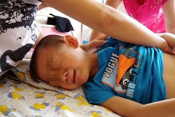 Bé trai 4 tuổi tử vong ngay sau khi uống cốc sữa đậu nành của mẹ