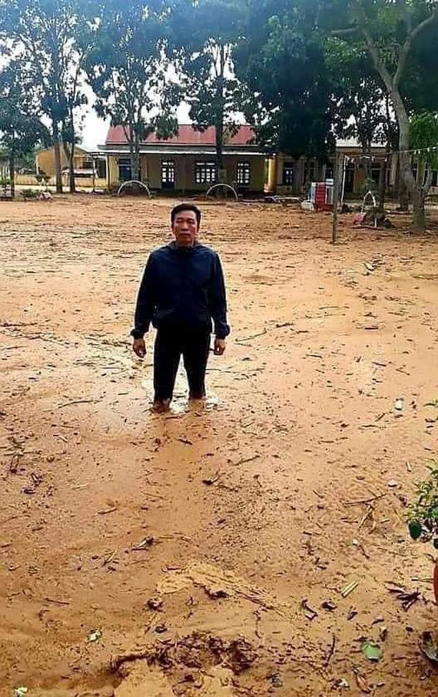 Bức ảnh before - after gây xúc động: Trường học Quảng Trị từng ngập bùn 1 mét đã đón học sinh trở lại-1