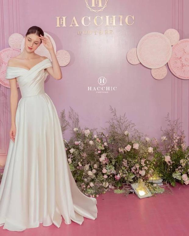 Vợ Công Phượng mặc váy cưới trơn nhẹ nhàng, cầm hoa cưới đắt đỏ khiến ai cũng liên tưởng ngay tới Song Hye Kyo-3