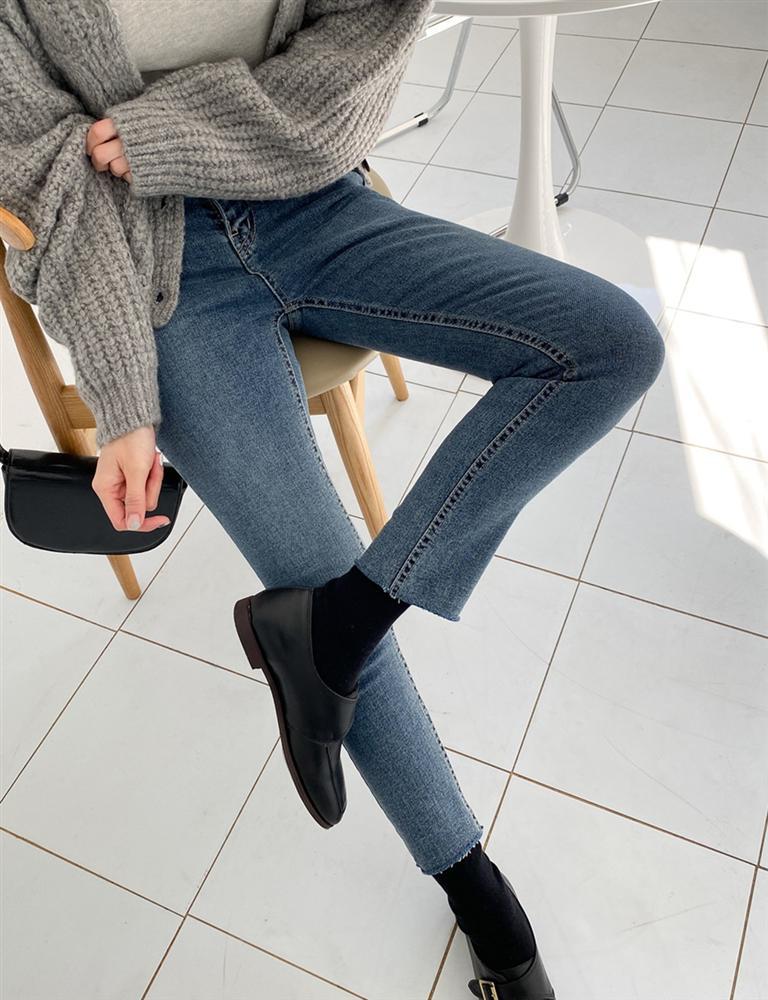3 kiểu quần không thể thiếu cho mùa lạnh, vừa ấm lại vừa sang xịn chốn sở làm-2