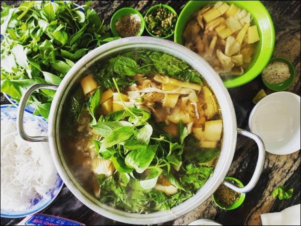 Công thức thần thánh làm nên món lẩu gà lá é cực phẩm chuẩn vị Đà Lạt, bí quyết nằm ở loại nước đơn giản này-4