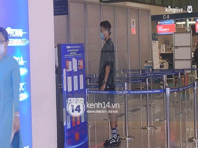 Công Phượng - Viên Minh đã xuất hiện tại sân bay Tân Sơn Nhất, chú rể tươi rói sẵn sàng cho siêu đám cưới tối nay-4