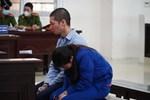Nữ bị cáo bạo hành con gái 3 tuổi đến tử vong quỳ gối, gào khóc xin lỗi mẹ đẻ và bố mẹ chồng: Bị cáo chưa bao giờ thôi dằn vặt với bản thân mình-8