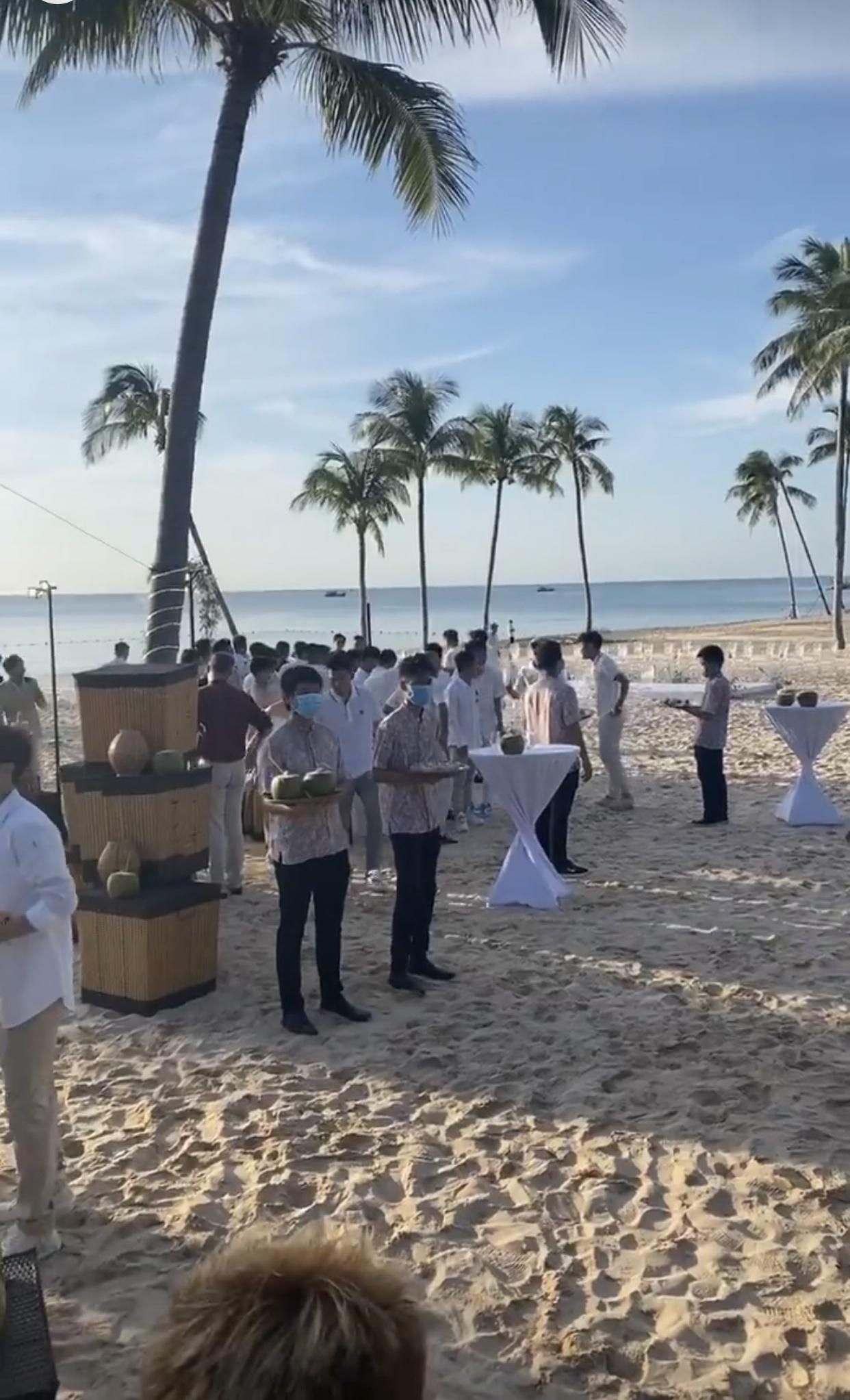 Bất ngờ với yêu cầu dành cho khách của Công Phượng, đối lập với đám cưới tại Sài Gòn, quà cưới độc xịn được tiết lộ-6