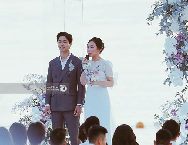 Bộ ảnh hôn lễ đẹp nức nở của Công Phượng - Viên Minh tại Phú Quốc: Nụ cười vỡ òa, cái nắm tay thật hơn bất cứ câu chuyện ngôn tình nào!-3