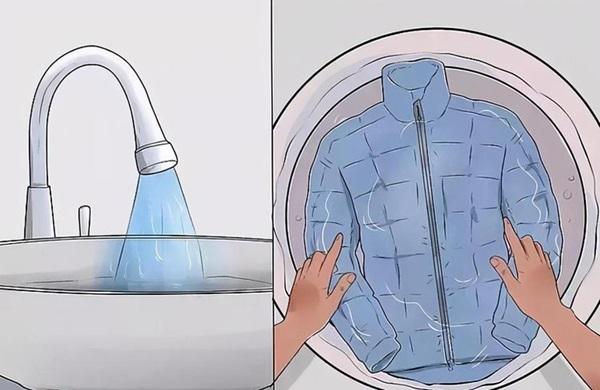 Giặt khô áo khoác lông vũ hay giặt tay thì tốt hơn? Mách bạn 5 mẹo để làm sạch mà không bị mất dáng, phai màu-2