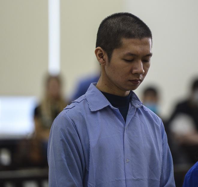 Tuyên án tử hình với bố dượng, tù chung thân với mẹ đẻ vụ bạo hành bé gái 3 tuổi tử vong-16