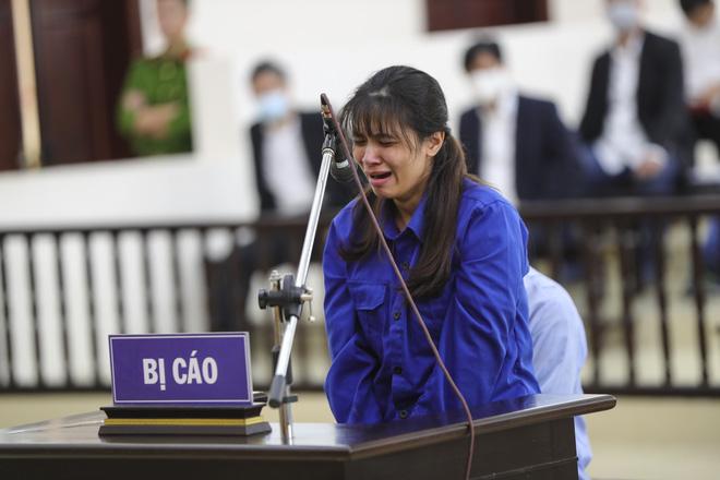 Tuyên án tử hình với bố dượng, tù chung thân với mẹ đẻ vụ bạo hành bé gái 3 tuổi tử vong-13