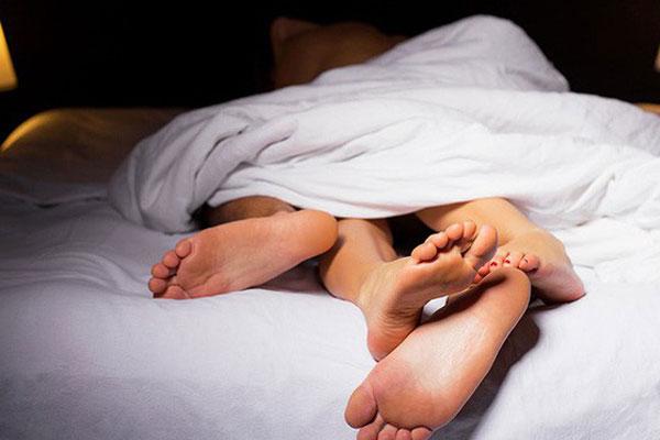 Người đàn ông tử vong sau ít phút vào nhà nghỉ vì chứng thượng mã phong-1