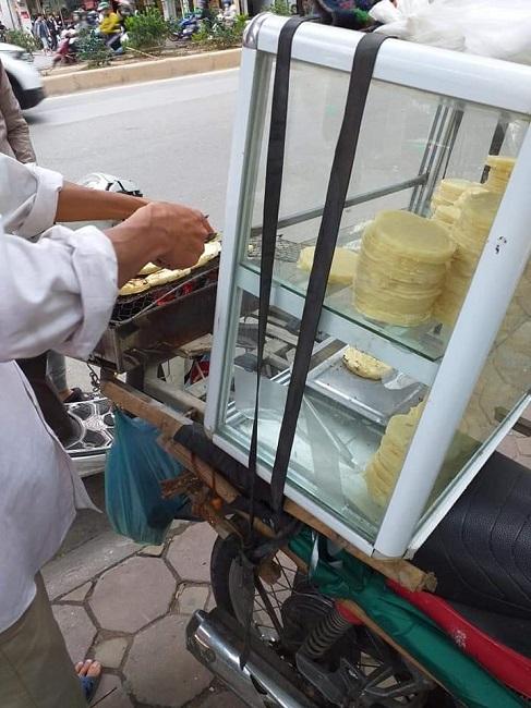 """Món bánh nhà nghèo lên đời"""" thành đặc sản hút khách Hà thành, ngày bán 500 chiếc-1"""
