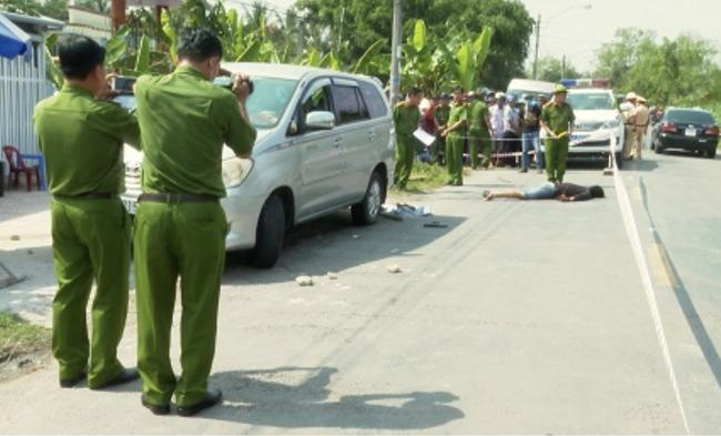 Vụ chồng đâm chết người để giải cứu vợ ở Vĩnh Long: Người mẹ thuê người bắt cóc con gái ra đầu thú-1