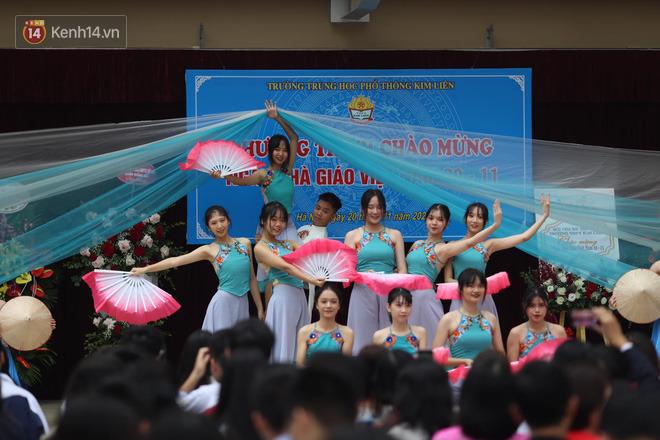 Ngày nhà giáo Việt Nam 20/11 tại các trường THPT: Học sinh bây giờ diễn văn nghệ đỉnh quá-27
