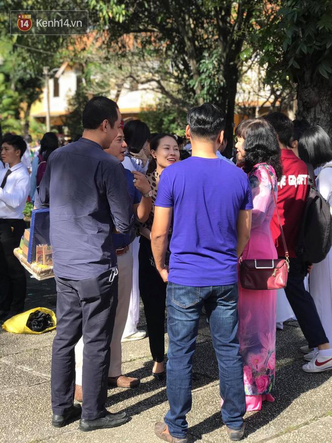 Ngày nhà giáo Việt Nam 20/11 tại các trường THPT: Học sinh bây giờ diễn văn nghệ đỉnh quá-3