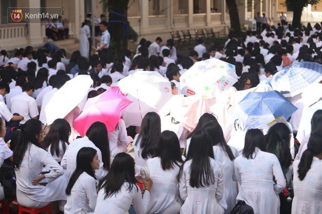 Ngày nhà giáo Việt Nam 20/11 tại các trường THPT: Học sinh bây giờ diễn văn nghệ đỉnh quá-20