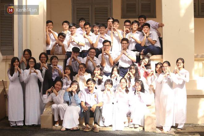 Ngày nhà giáo Việt Nam 20/11 tại các trường THPT: Học sinh bây giờ diễn văn nghệ đỉnh quá-13