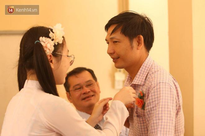 Ngày nhà giáo Việt Nam 20/11 tại các trường THPT: Học sinh bây giờ diễn văn nghệ đỉnh quá-17
