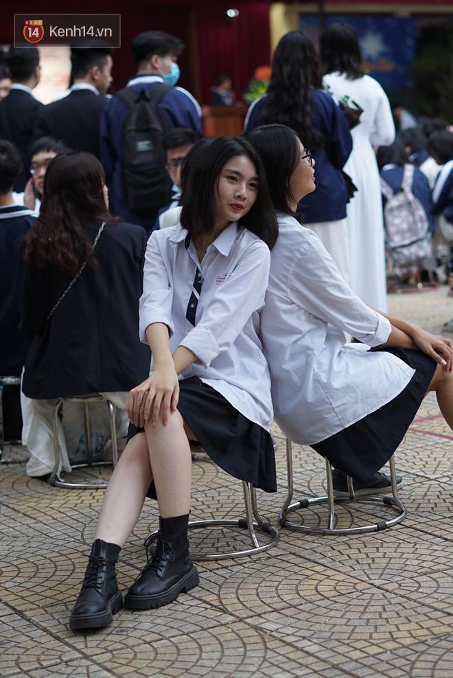 Ngày nhà giáo Việt Nam 20/11 tại các trường THPT: Học sinh bây giờ diễn văn nghệ đỉnh quá-8