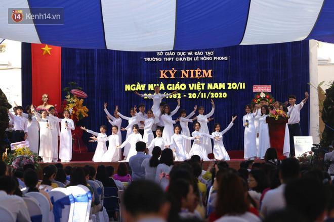 Ngày nhà giáo Việt Nam 20/11 tại các trường THPT: Học sinh bây giờ diễn văn nghệ đỉnh quá-23