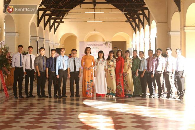 Ngày nhà giáo Việt Nam 20/11 tại các trường THPT: Học sinh bây giờ diễn văn nghệ đỉnh quá-16