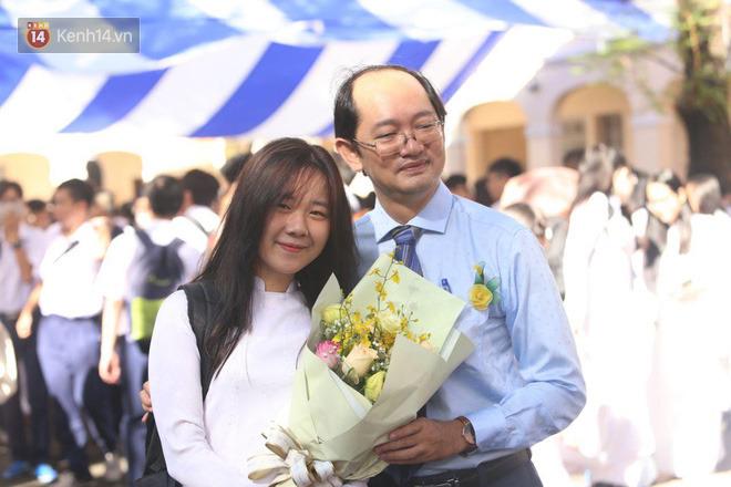 Ngày nhà giáo Việt Nam 20/11 tại các trường THPT: Học sinh bây giờ diễn văn nghệ đỉnh quá-11