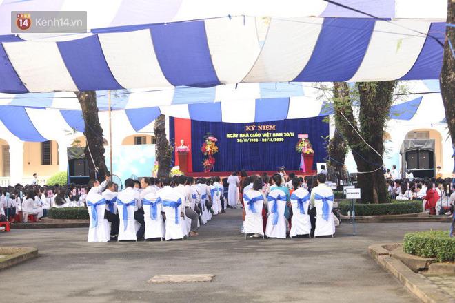 Ngày nhà giáo Việt Nam 20/11 tại các trường THPT: Học sinh bây giờ diễn văn nghệ đỉnh quá-19