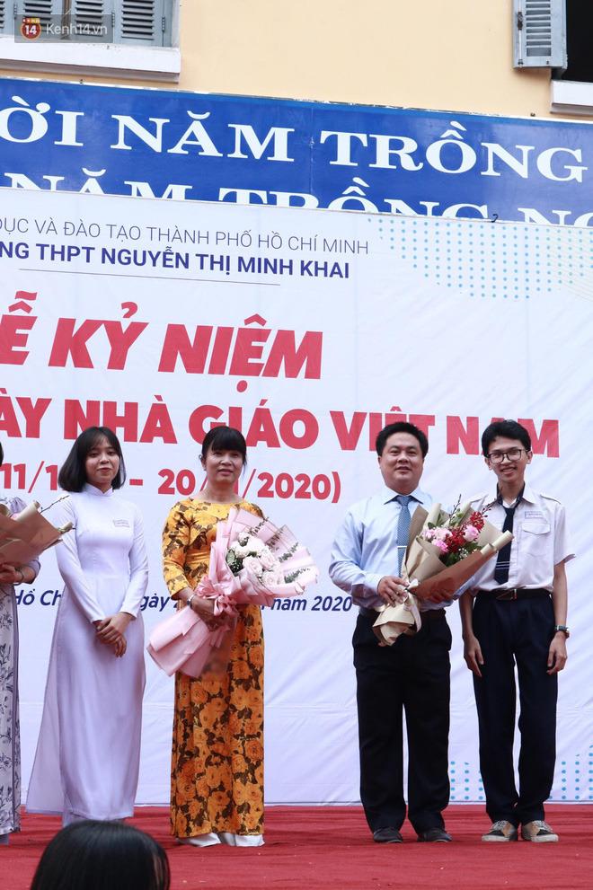Ngày nhà giáo Việt Nam 20/11 tại các trường THPT: Học sinh bây giờ diễn văn nghệ đỉnh quá-15