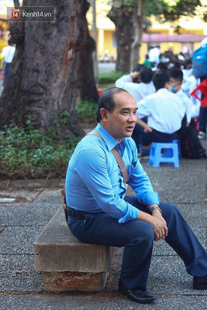 Ngày nhà giáo Việt Nam 20/11 tại các trường THPT: Học sinh bây giờ diễn văn nghệ đỉnh quá-2