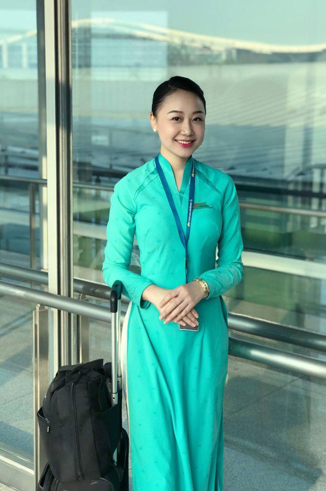 Hình ảnh xinh xắn của nữ tiếp viên hàng không trước khi bị xe Mercedes đâm thương tật vĩnh viễn 75% khiến nhiều người không khỏi xót xa-1