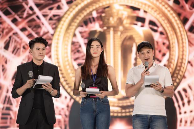 Tổng duyệt chung kết HHVN 2020: Tiểu Vy - Hoàng Thuỳ Linh đọ sắc bất phân thắng bại, Á hậu Kiều Loan lộ diện sau tin đồn hẹn hò-11