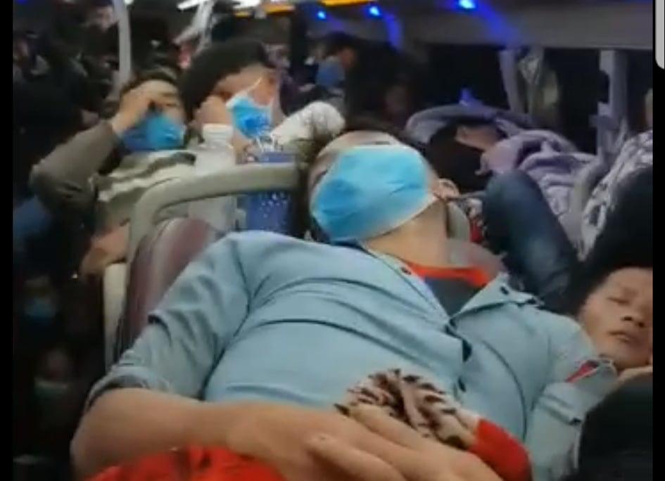 CLIP: Choáng với xe khách 44 chỗ nhồi nhét 92 người-1