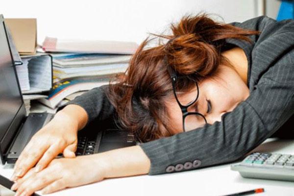 5 thói quen xấu của dân văn phòng tiềm ẩn nguy cơ mắc bệnh nguy hiểm-1