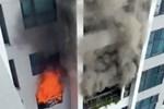 Hà Nội: Cháy dữ dội tại chung cư ở Hà Đông sau tiếng nổ lớn, người dân hoảng loạn chạy từ tầng 13 xuống đất lánh nạn-6