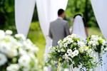 Đại gia thuê người làm đám cưới giả, cô dâu khóc ngất trong hôn lễ-2