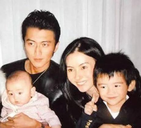 Nguyên nhân thật sự khiến năm đó Tạ Đình Phong đột ngột quyết định ly hôn cùng Trương Bá Chi, hóa ra là vì lý do khó chấp nhận này?-5