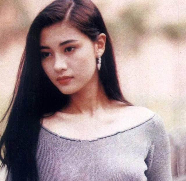 Hoa hậu đẹp nhất Hồng Kông Lý Gia Hân bị chỉ trích vì đăng ảnh thân mật quá mức, ăn mặc hớ hênh khi ở cùng con trai-2