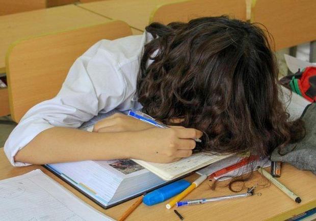 """Học sinh lớp 11 hoảng loạn vì bị người lạ xông vào nhà yêu cầu viết giấy nhận và trả nợ thay mẹ""""-3"""
