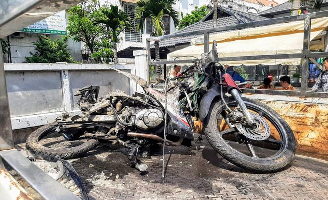 Nữ tiếp viên hàng không xinh đẹp bị xe Mercedes tông: Một lời hỏi thăm cũng không...-2