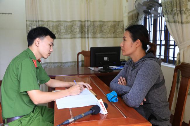 Danh tính 4 đối tượng lột đồ, đánh vào vùng kín cô gái trẻ ở Thừa Thiên - Huế-6