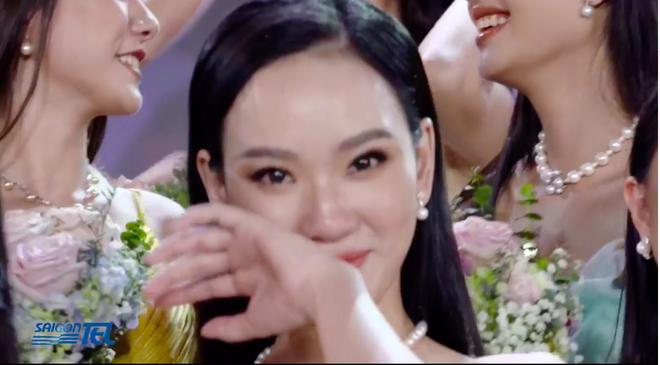 Đỗ Thị Hà đăng quang Hoa hậu Việt Nam 2020-40
