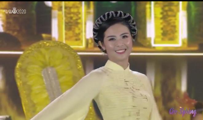 Đỗ Thị Hà đăng quang Hoa hậu Việt Nam 2020-31