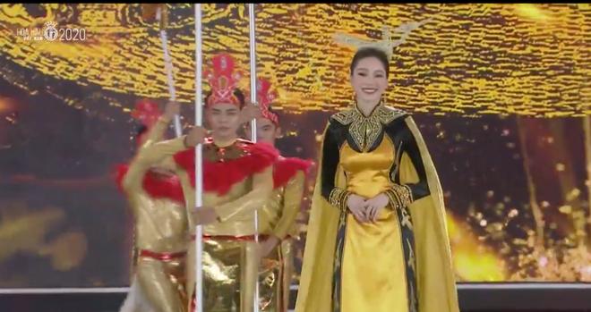 Đỗ Thị Hà đăng quang Hoa hậu Việt Nam 2020-30
