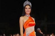 Hết nhiệm kỳ Hoa hậu, Tiểu Vy 'quất' luôn bộ váy hở bạo nhất nhưng cũng là... xấu nhất từ trước đến nay