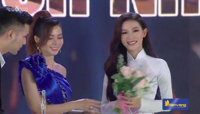 Đỗ Thị Hà đăng quang Hoa hậu Việt Nam 2020-5
