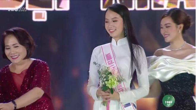 Đỗ Thị Hà đăng quang Hoa hậu Việt Nam 2020-8