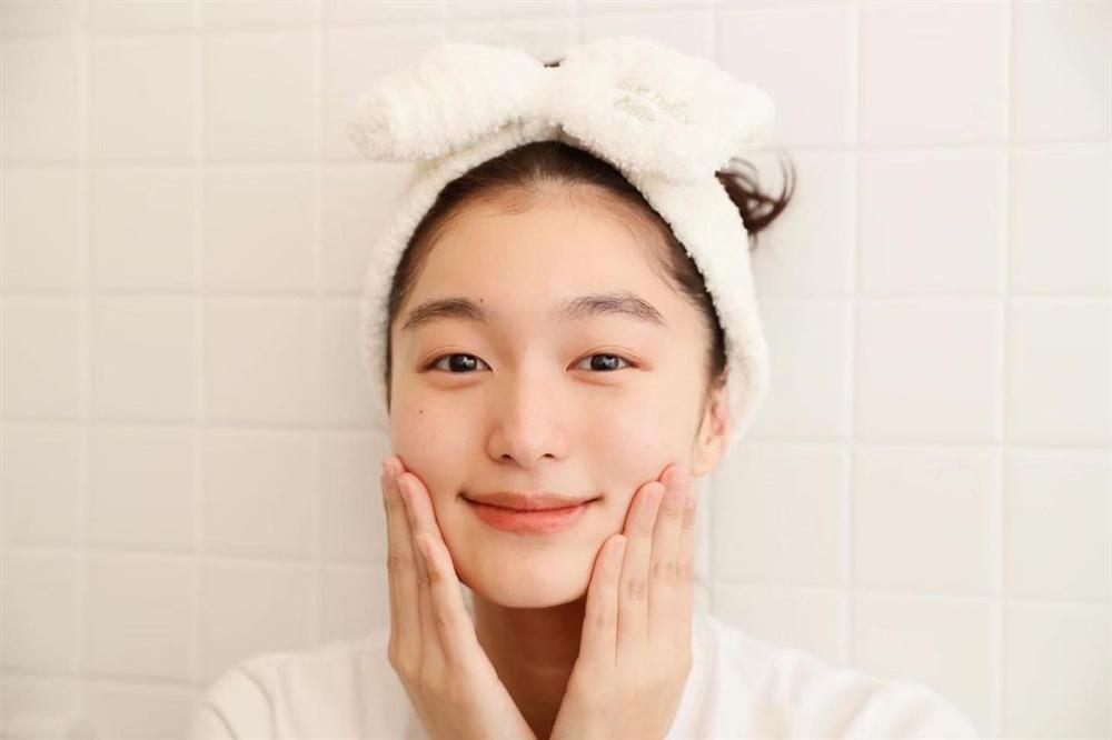 Để da căng mướt gấp 10 lần bình thường, phụ nữ Nhật có thêm chiêu chườm dầu chuyên được dùng trong mùa lạnh-3