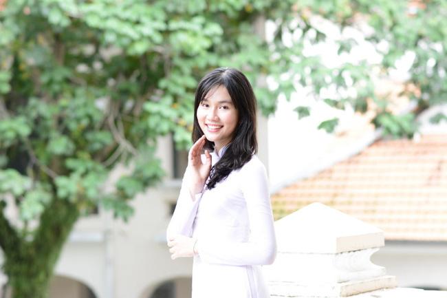 """Chân dung 2 Á hậu Việt Nam 2020: Người được coi là bản sao Tiểu Vy"""", người sở hữu học lực cực khủng với bảng thành tích đáng nể-9"""