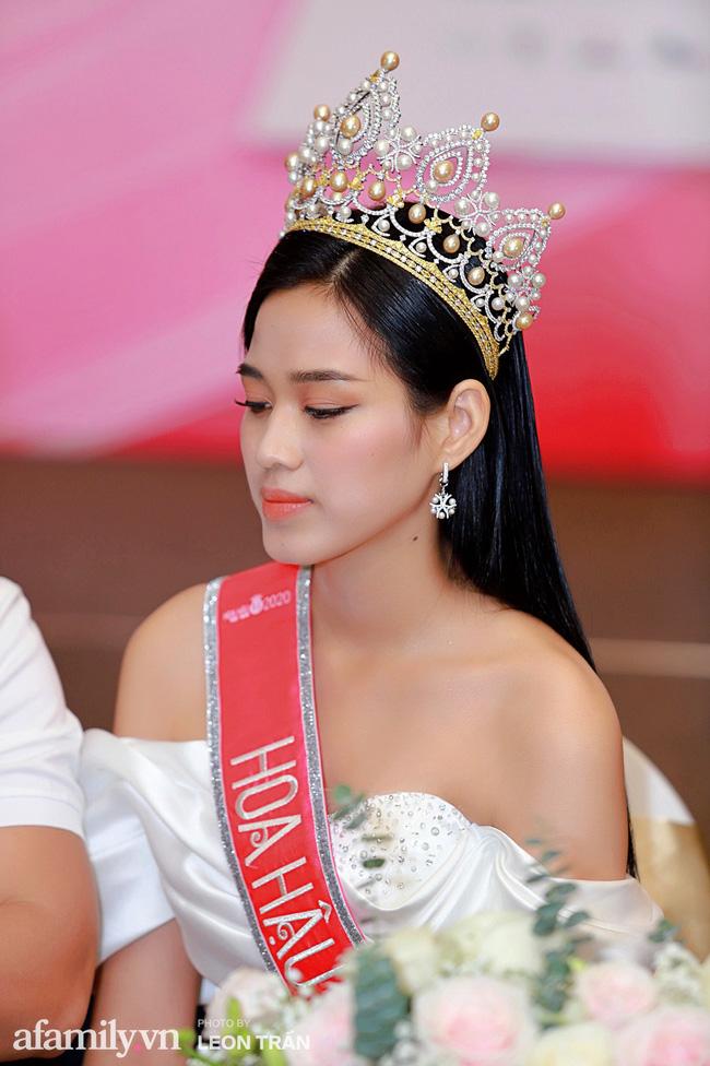 Hoa hậu Việt Nam 2020 lần đầu xuất hiện trước truyền thông: Đỗ Thị Hà đáp trả nghi vấn biết trước kết quả, Á hậu 2 nói về việc từng diễn trong show nội y của Vũ Khắc Tiệp-3