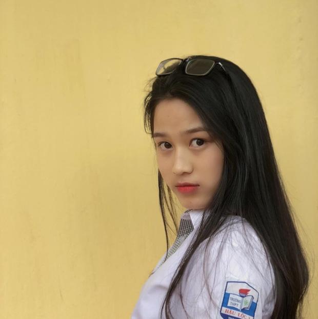 Hành trình nhan sắc thay đổi chóng mặt của Hoa hậu Đỗ Thị Hà từ cấp 1 cho đến lúc lên Đại học-3