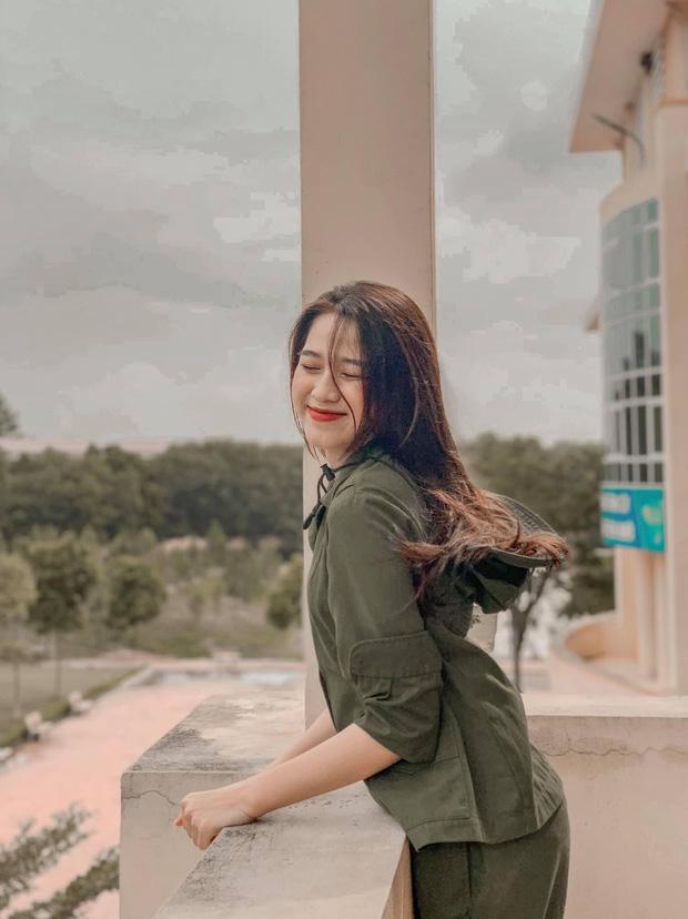 Hành trình nhan sắc thay đổi chóng mặt của Hoa hậu Đỗ Thị Hà từ cấp 1 cho đến lúc lên Đại học-7