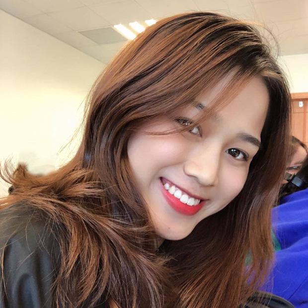 Hành trình nhan sắc thay đổi chóng mặt của Hoa hậu Đỗ Thị Hà từ cấp 1 cho đến lúc lên Đại học-12